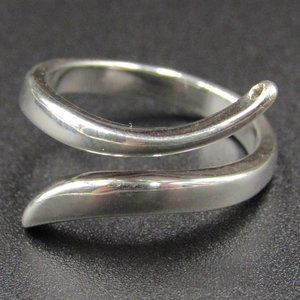 Size 4 Sterling Silver Unique Petite Band Ring